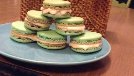 daughter macarons baking baker